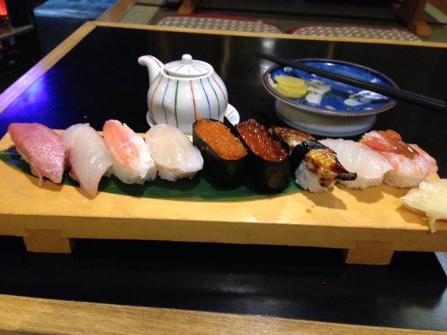 瀬見温泉での夕食は寿司